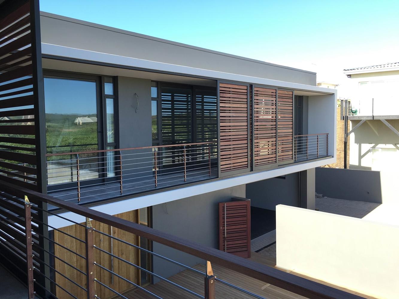 House Schewitz - Upper Decks