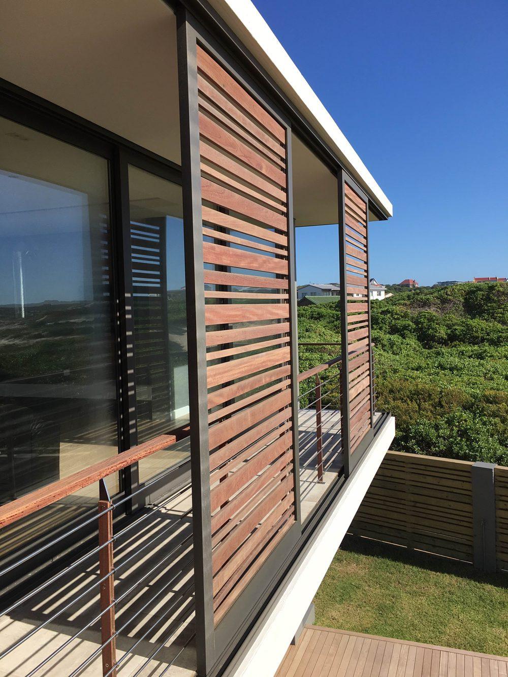 House Schewitz - Upper Decks Detail